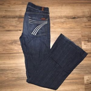 7 FAM Flared Jeans